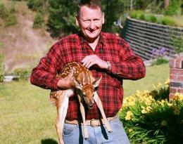 steve holding deer